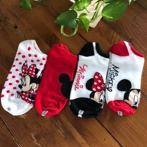 Disney NWOT(4) pairs of socks ladies 9-11